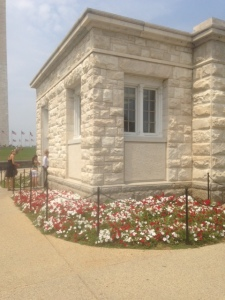 mini monument