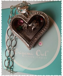 O2 Love Locket